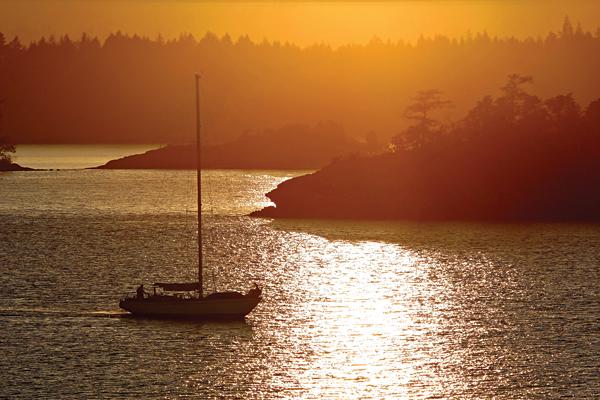Scenic Sailing